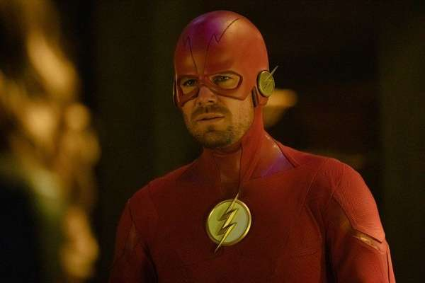 Elseworlds Stephen Amell The Flash