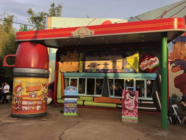 Toy Story Land Woody's Lunchbox 2