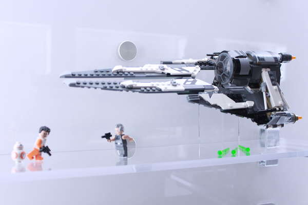 LEGO Star Wars Resistance Black Ace TIE Interceptor
