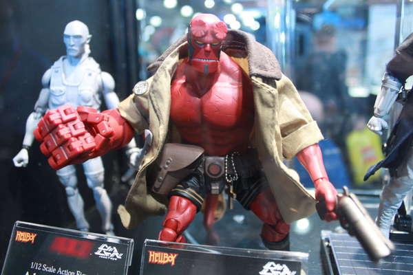 1000 Toys Hellboy