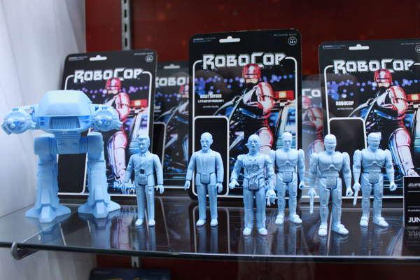 Super8 ReAction Robocop Figures