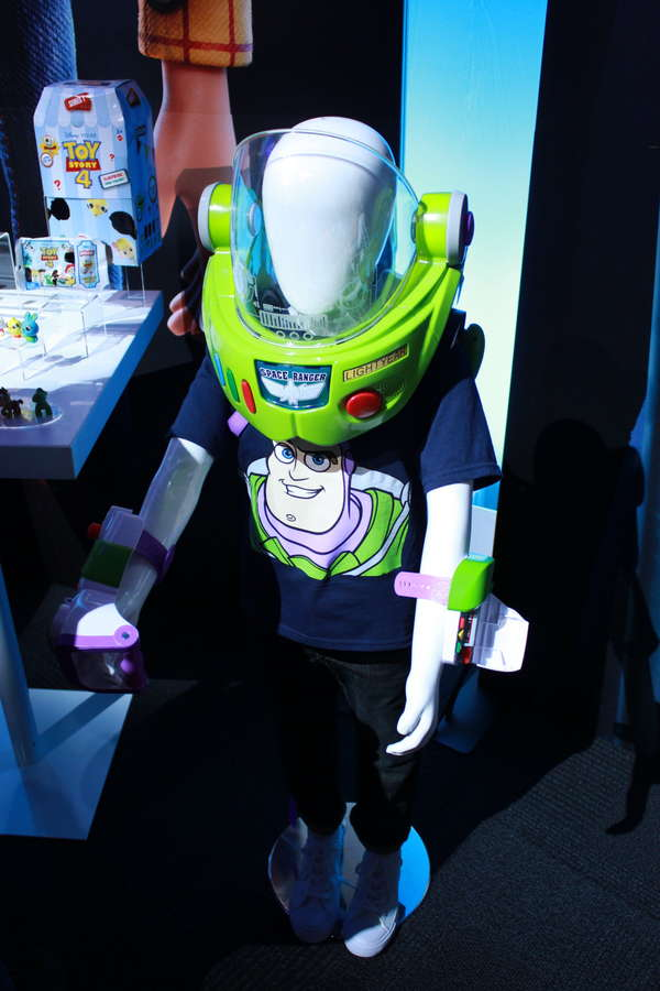 Disney  ∙  Pixar   Toy Story  Buzz Lightyear Space Ranger Armor with Jet Pack