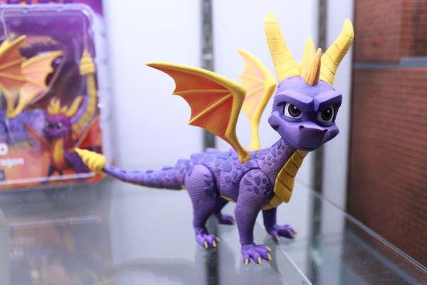 NECA Spryo the Dragon Figure