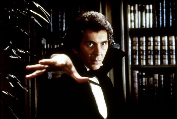 10-12 Remakes Dracula '79.jpg
