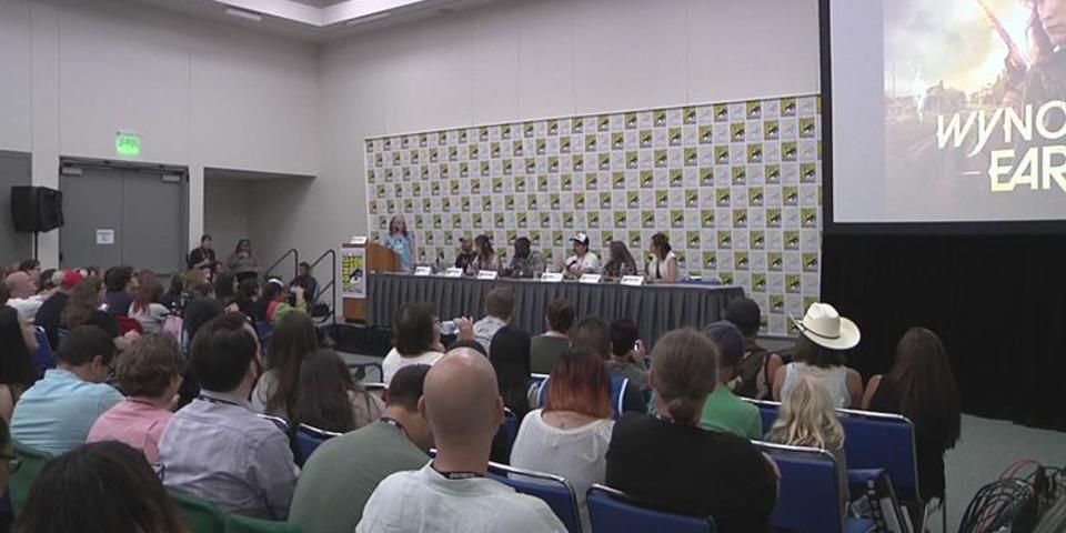 Wynonna Earp at SDCC 2016: Katherine Barrell and her role as Nicole Haught