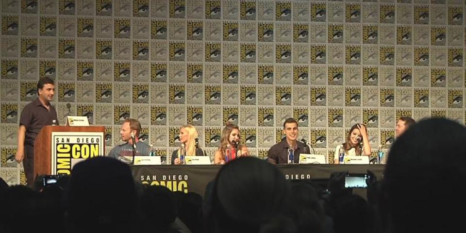 Sharknado 4 at SDCC 2016: Masiela Lusha Doesn't Need a Stunt Double