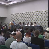 Wynonna Earp at SDCC 2016: Coffee and Powdered Donuts