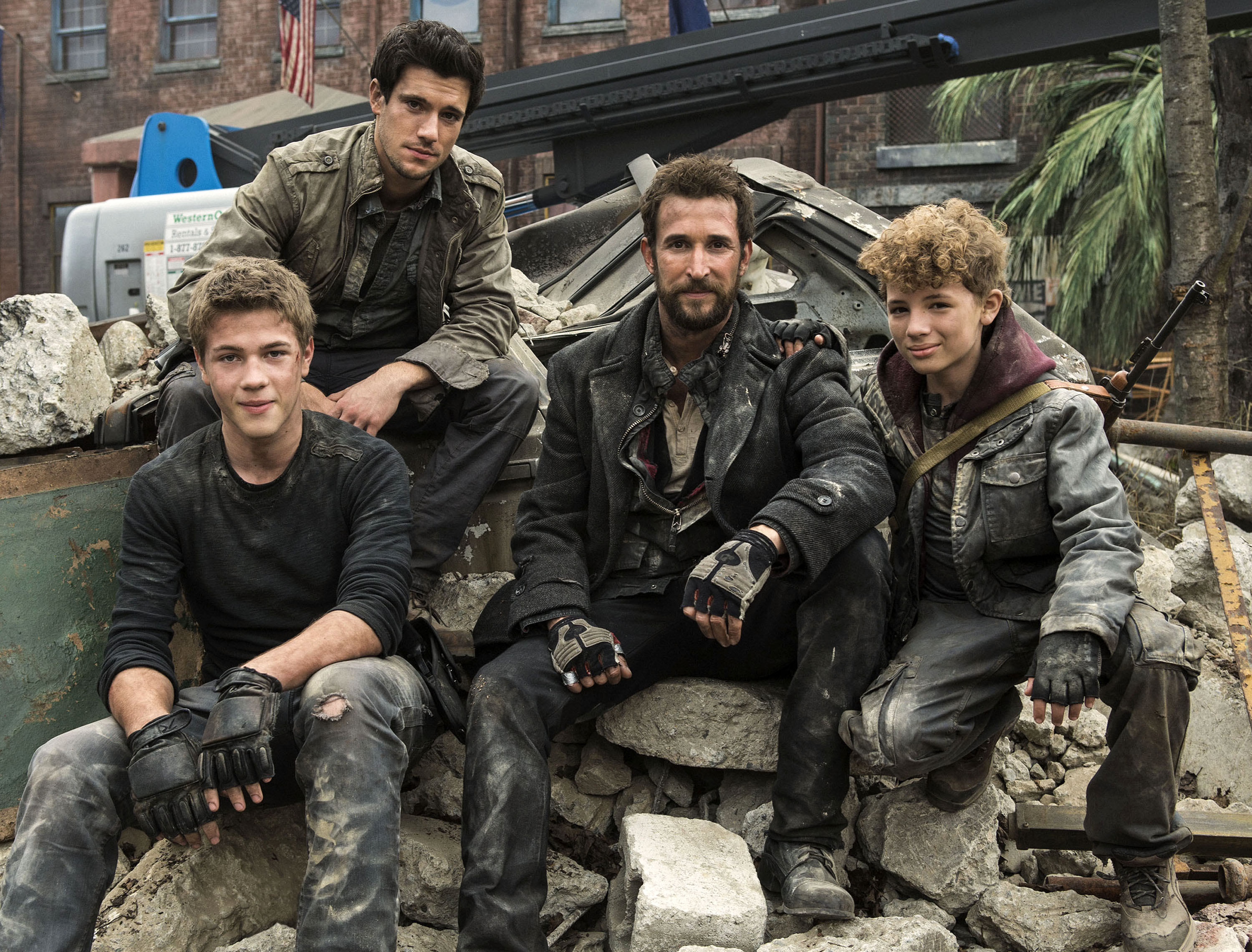 Dome stays on top falling skies rises 48 other genre shows syfy dome stays on top falling skies rises 48 other genre shows syfy wire voltagebd Images