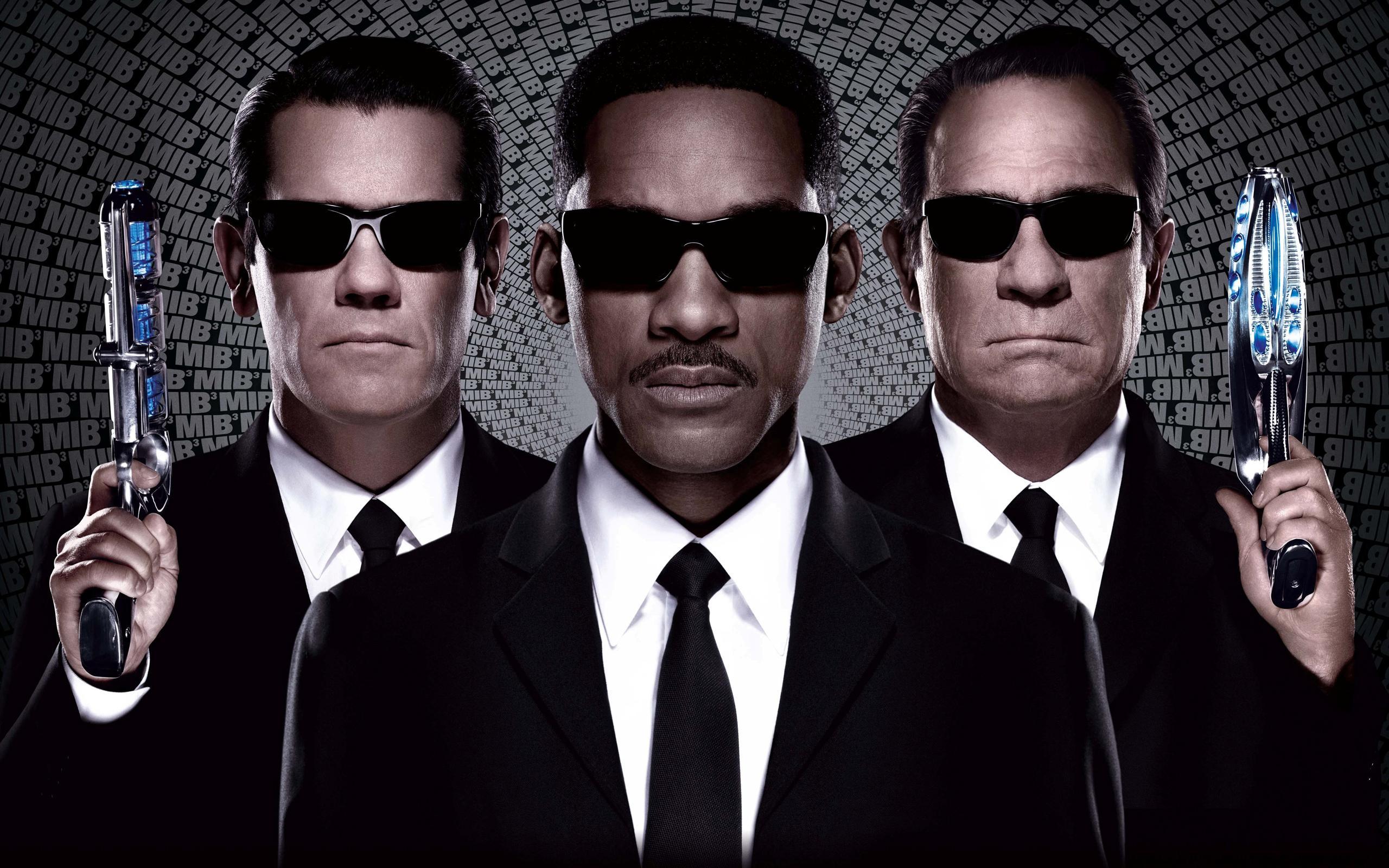 Men com black