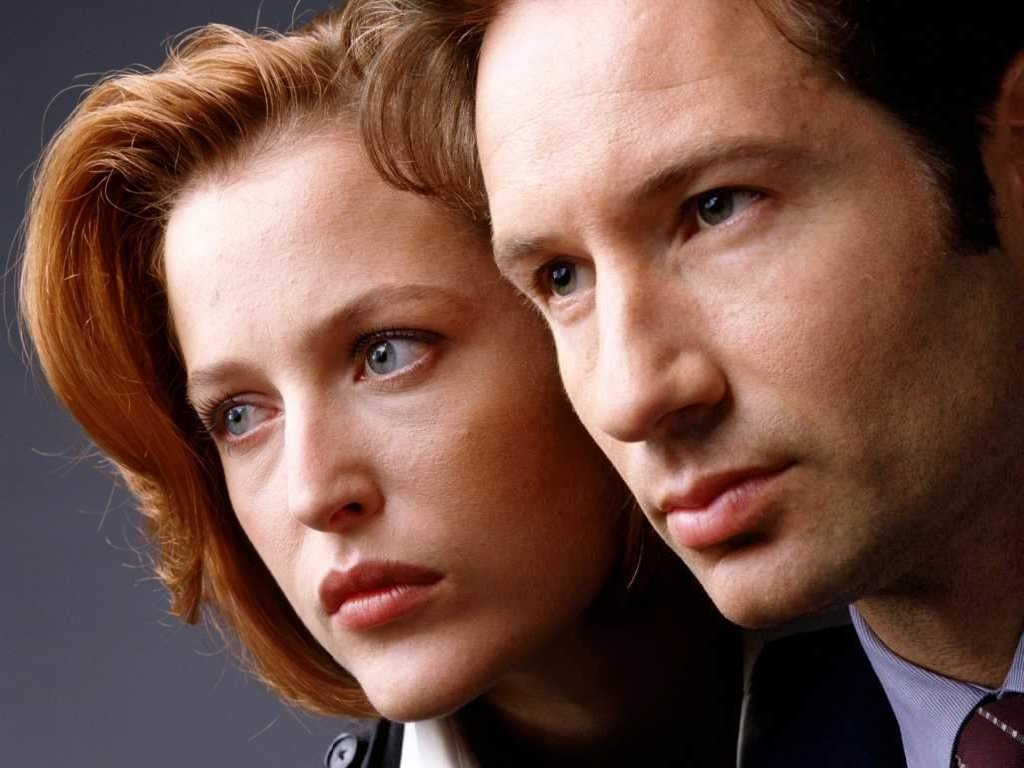 Dana Scully and Fox Mulder in The X-Files