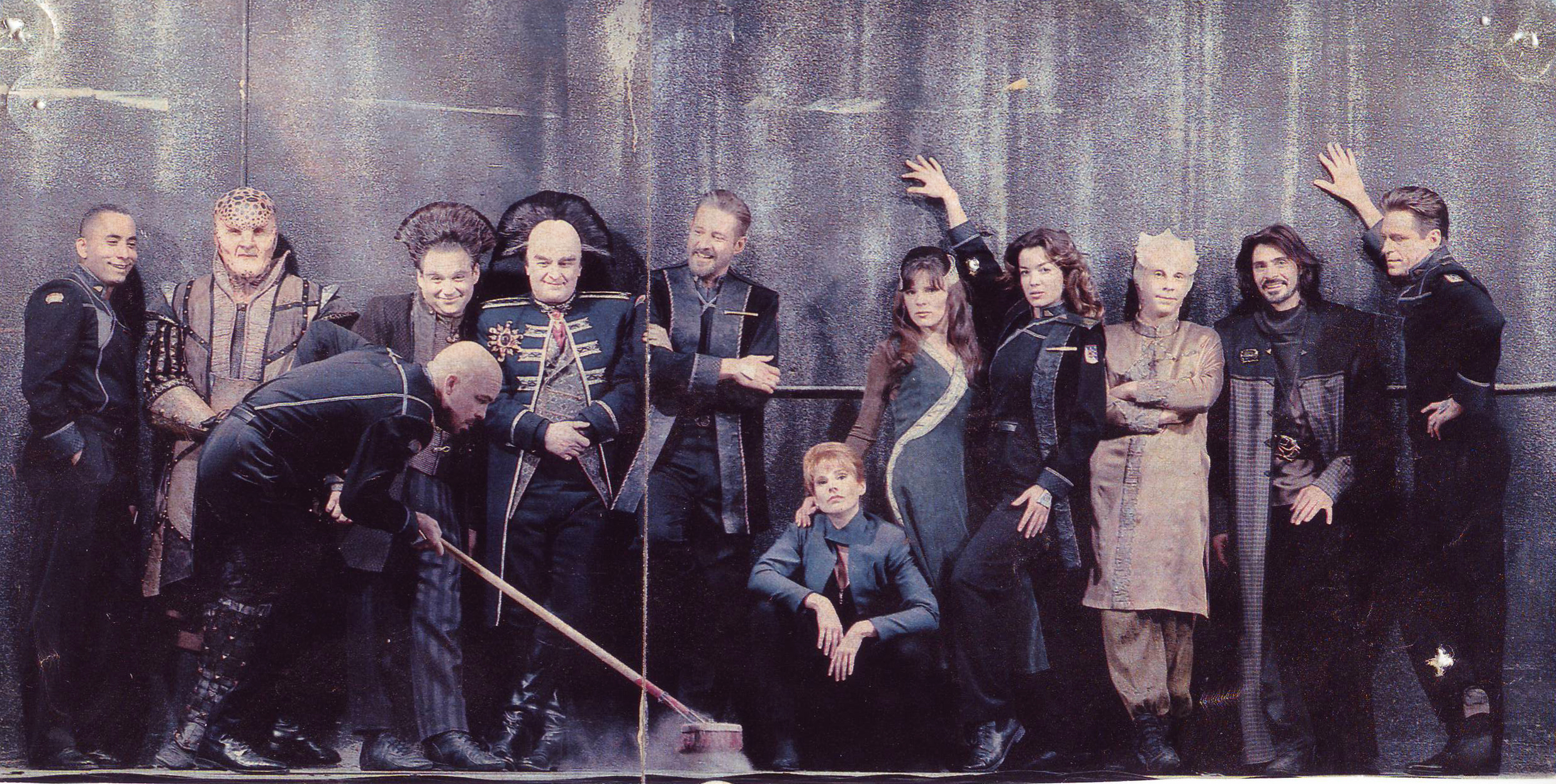 The United States of the Solar System, A.D. 2133 (Book Five) - Page 7 Babylon5casttvguide