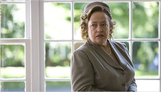 Kathy Bates Tim Curry Headline Cast Of Sci Fis Upcoming Alice