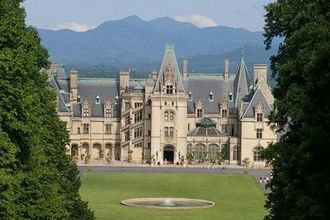 13 real haunted houses you can visit in the u s syfy wire for Is biltmore estate haunted