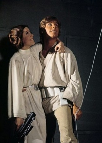 luke_leia_swing_star_wars.jpg