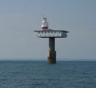 zombie_Royal_Soverign_lighthouse.jpg