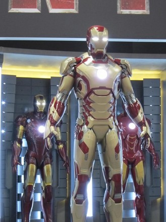 Iron-Man-3-armor-1-550x733.jpeg