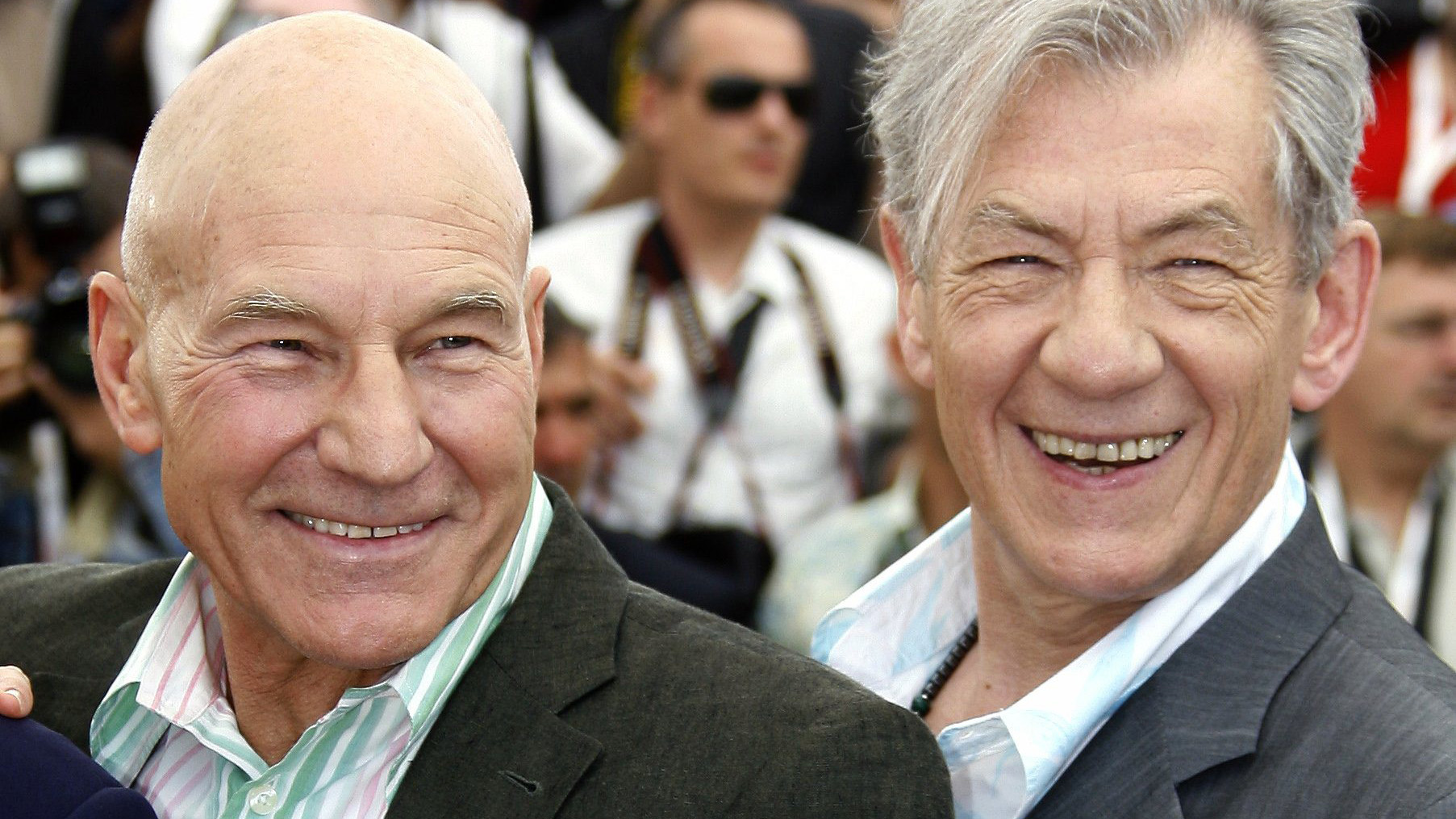 Professor x dating magneto