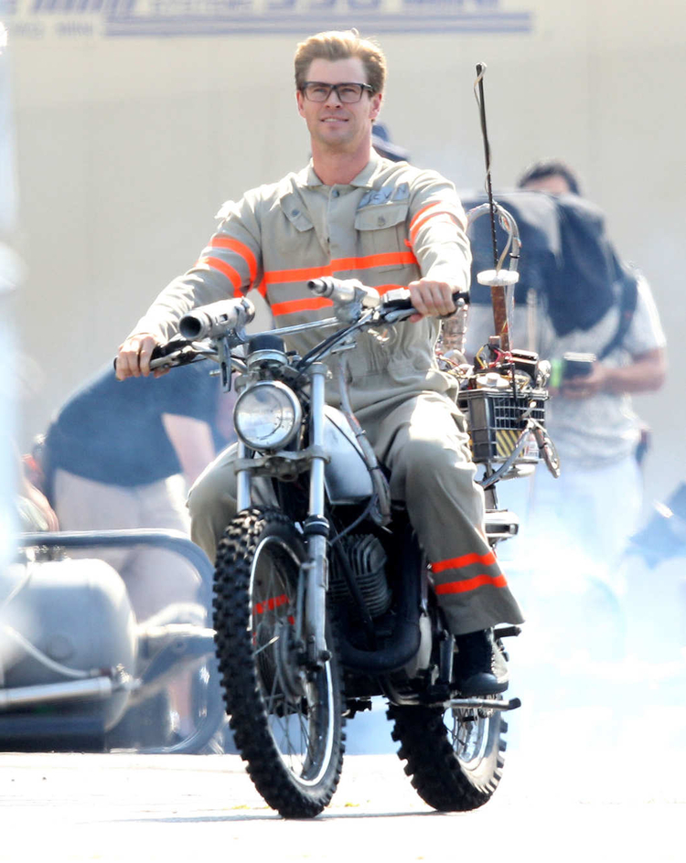 Ghostbusters  Glasses Hemsworth
