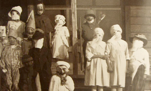 Creepy Old Timey Halloween Ghosts
