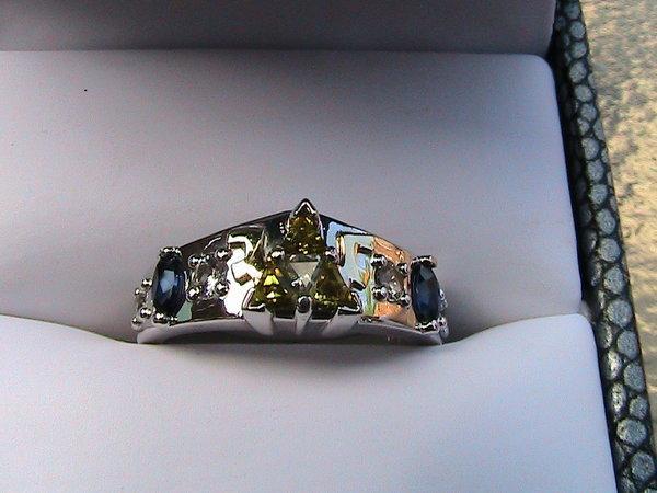 Celebrate geek love with these 23 awesome sci-fi wedding ringsZelda Wedding Ring