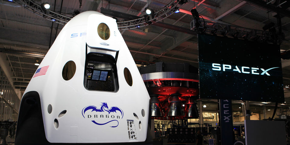 Inside the New SpaceX Spaceship