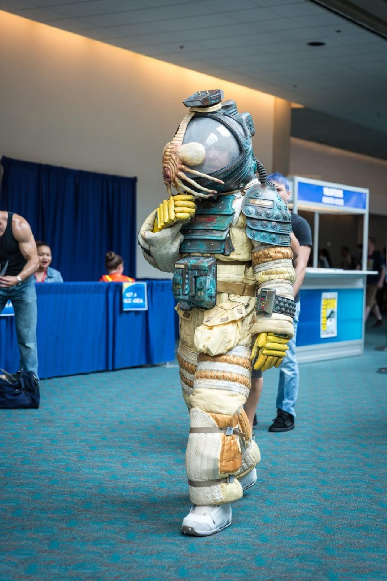 space suit cosplay girl - photo #13