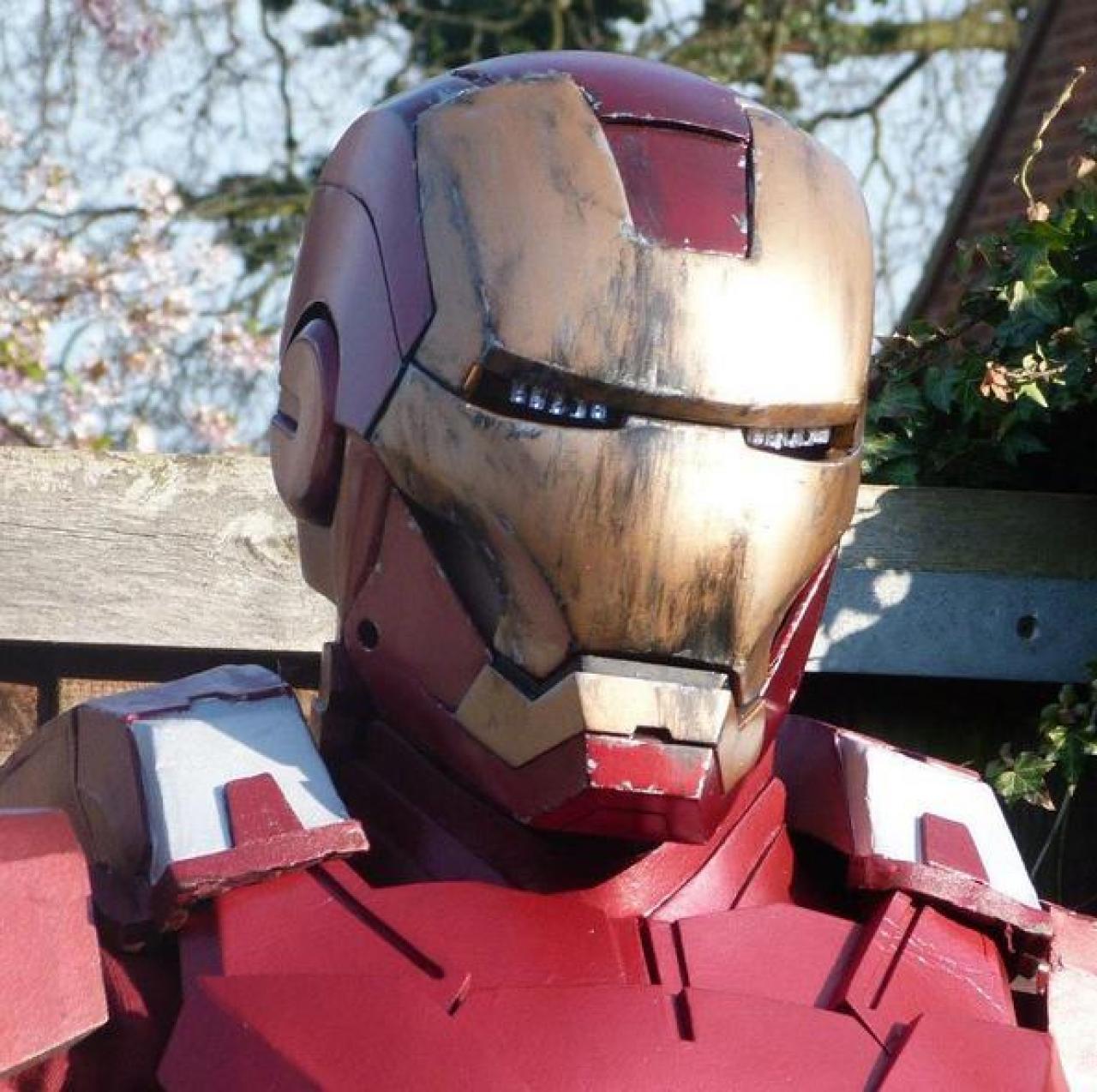 Видео как сделать шлем железного человека