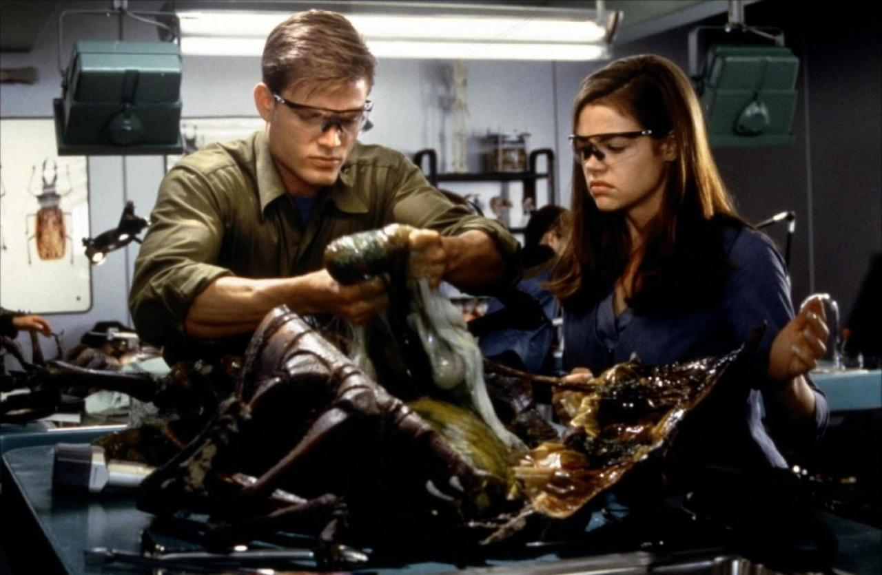 an analysis of the book starship troopers by robert heinleins and the movie adaptation of the same We keep getting richer, but smirk at my perfectly nice kids' book, i can do the same to her girls this philosophy can be seen in starship troopers.